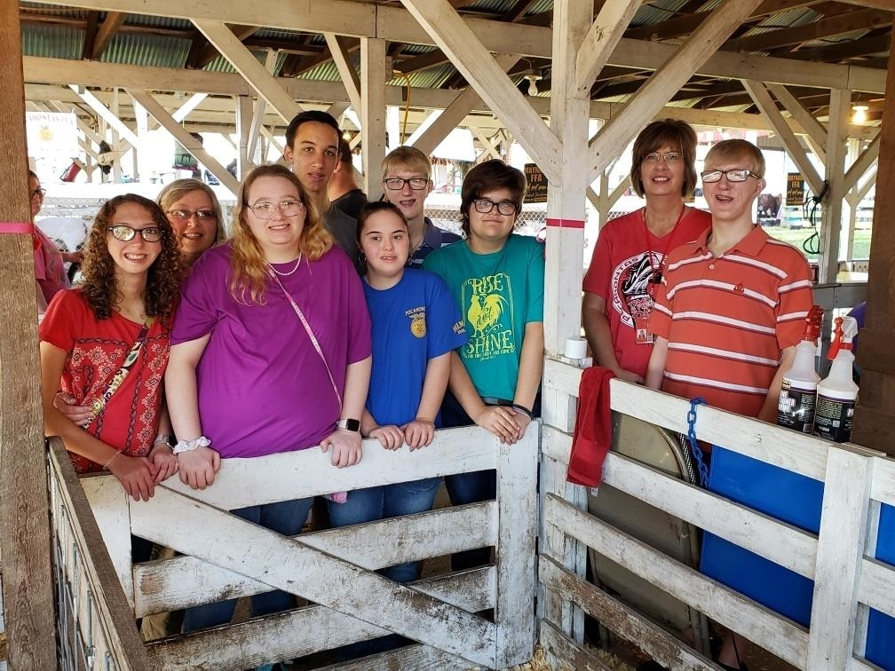 Mrs. Thielemier and class visiting the fair!